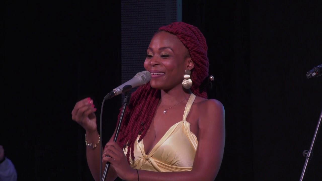 денсия певица из камеруна фото представил